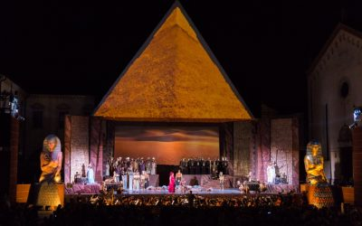A 26 mt. high pyramid for the AIDA of Giuseppe Verdi in Oderzo (Treviso)