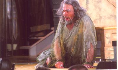 Renato Brusonj canta Dio di Giuda