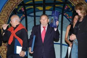 Il cantante Giorgio Consolini e l'attore Elio Pandolfi sulla scena di Vedova Allegra