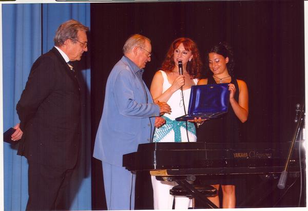 ROMANO MUSSOLINI - Premio Oder sul palcoscenico del Teatro Brandolini di Oderzo