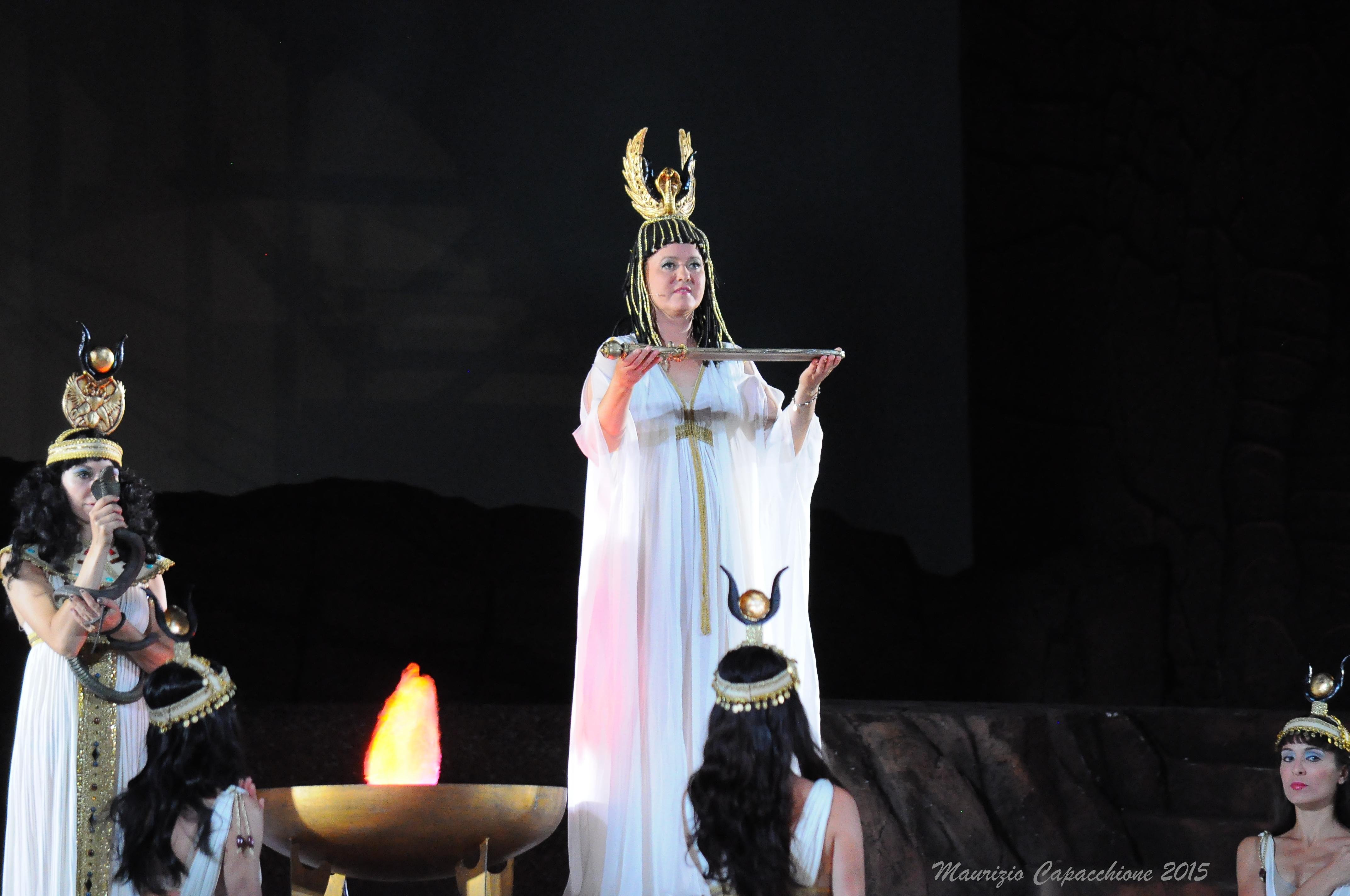 Opera in Piazza  a Oderzo  : AIDA , La sacerdotessa