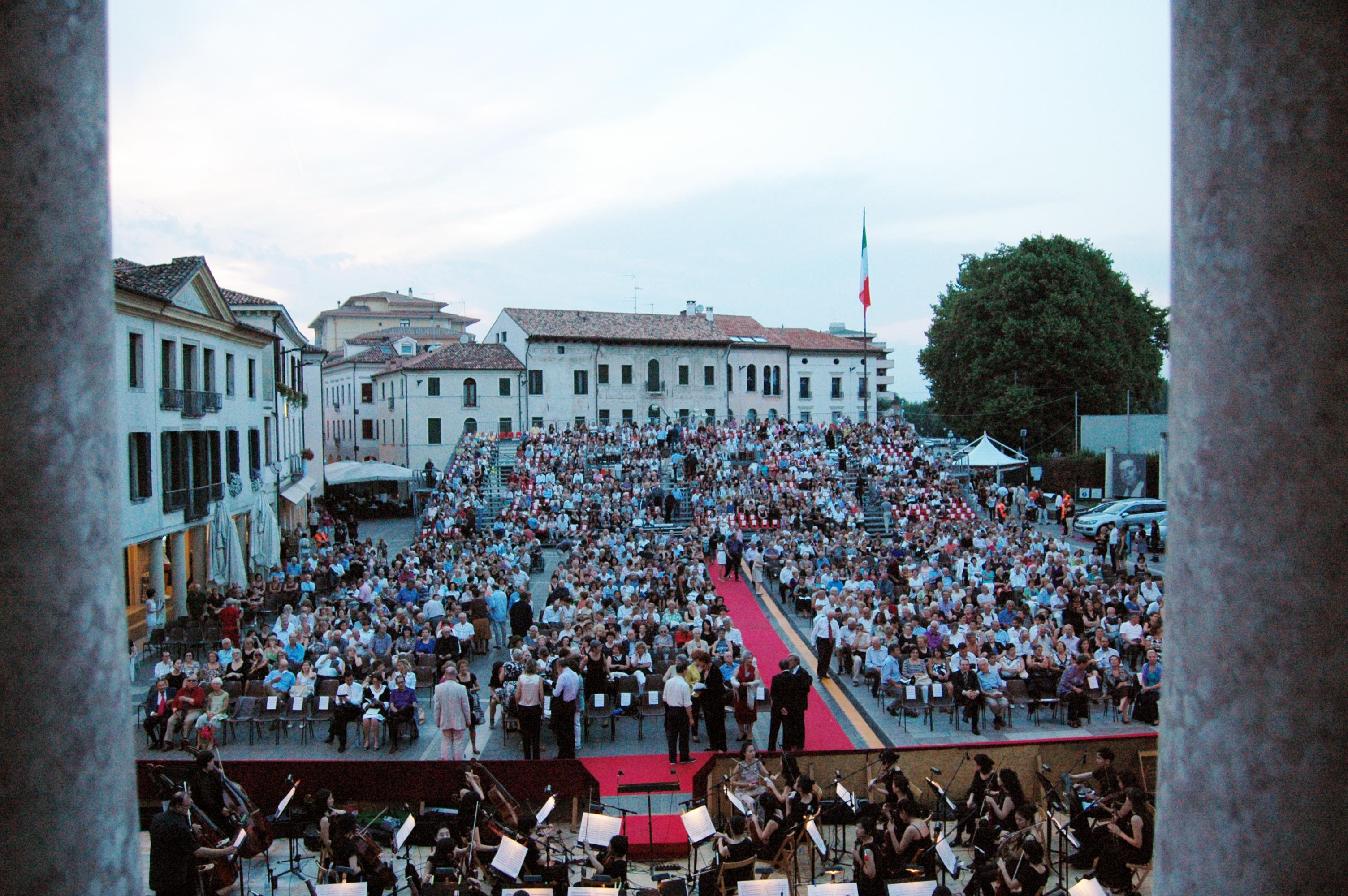 Il Pubblico di Opera in Piazza 2010