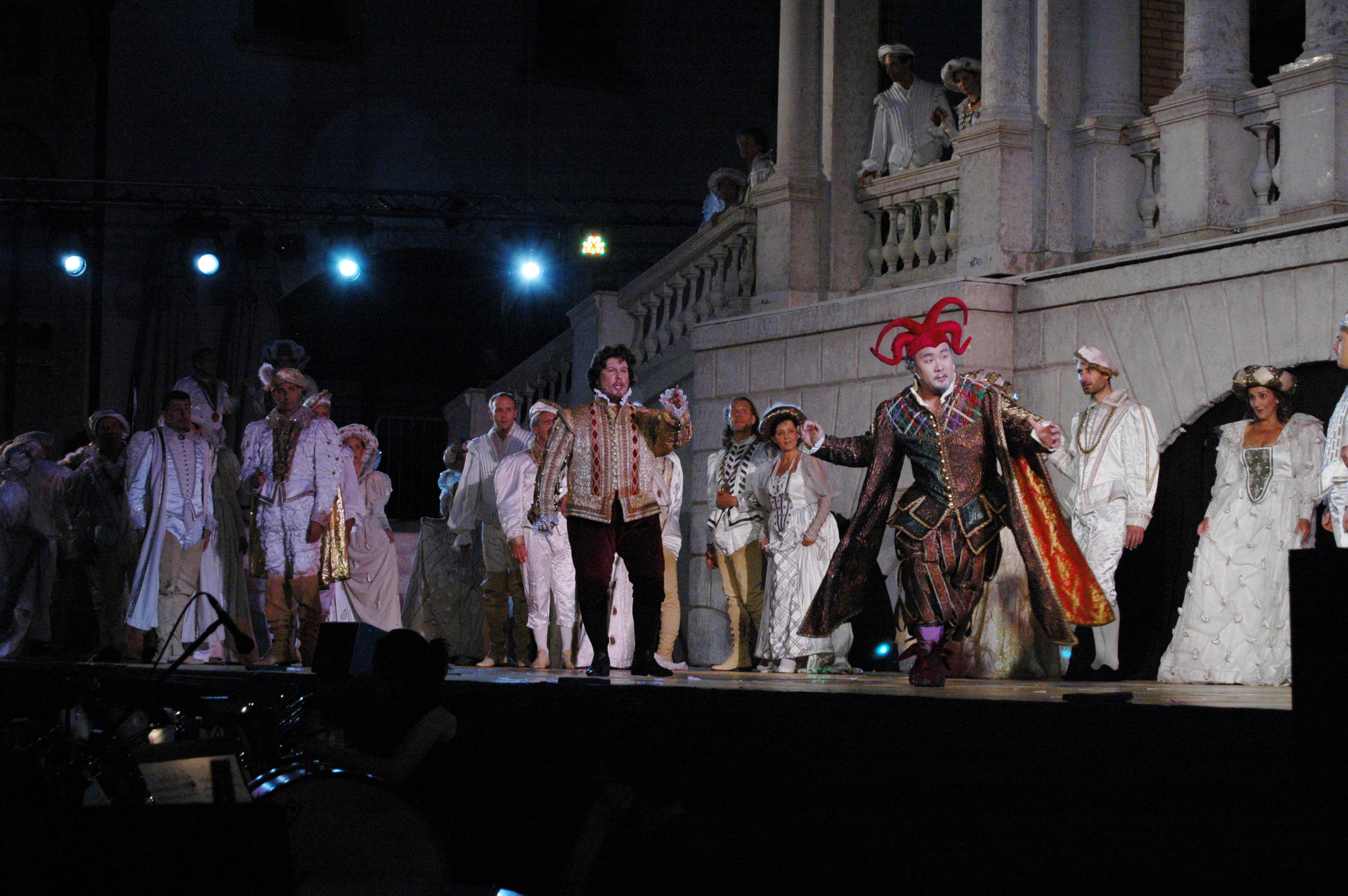 Rigoletto - Atto I - La festa