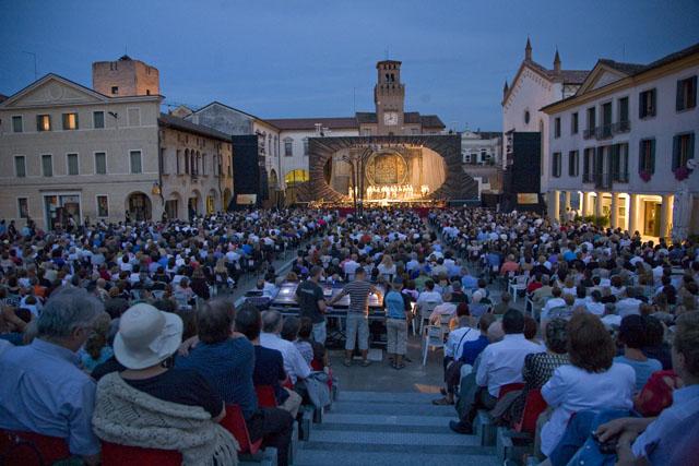 Opera in Piazza a Oderzo : Carmen, il  pubblico